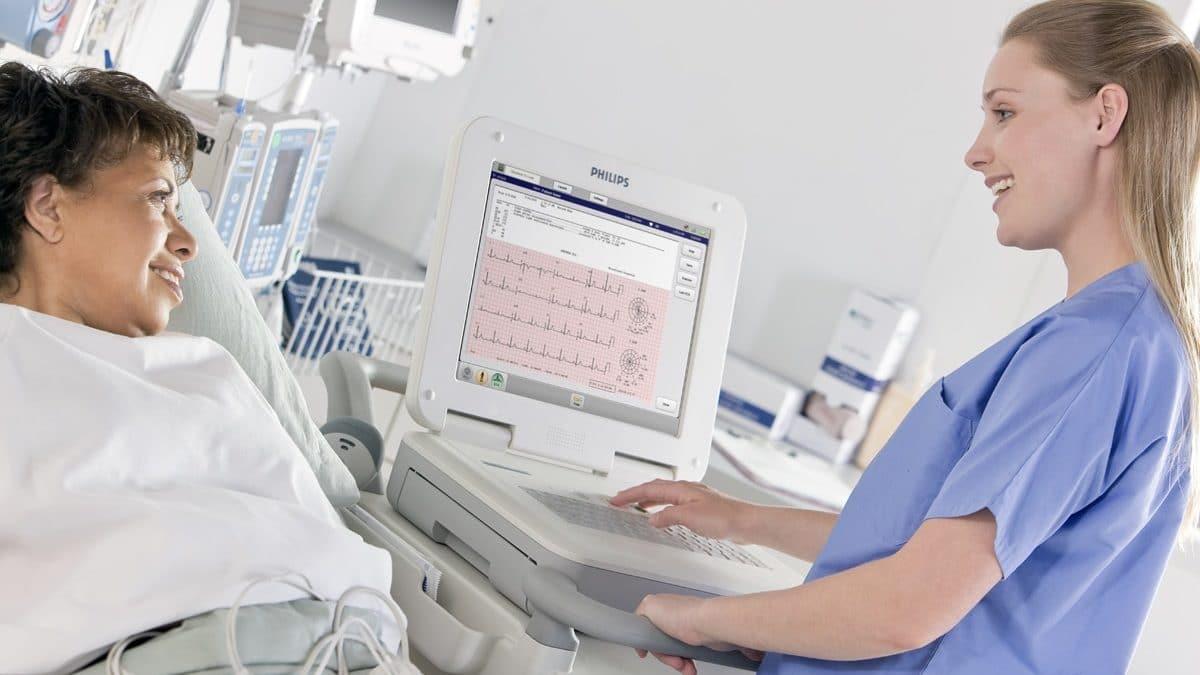 comment positionner les électrodes ECG